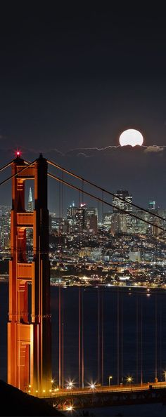 Full moon, San Francisco, USA