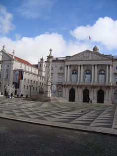 Flying with toddler on TAP airlines to Lisbon - Eastern Europe Expat Eastern Europe, Lisbon, Mansions, House Styles, Travel, Mansion Houses, Viajes, Manor Houses, Villas