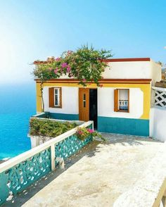 What an adorable little house in // . Beautiful World, Beautiful Places, Greek Islands Vacation, Stone Patio Designs, Greek House, Greece Islands, Santorini Greece, Greece Travel, Interior And Exterior