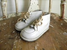 Vintage Baby Shoes White Leather Shoes with the bells on the laces of course :) Thanks For The Memories, Great Memories, Nostalgia, Puerto Rico, White Leather Shoes, White Shoes, Soft Leather, Photo Vintage, Thing 1