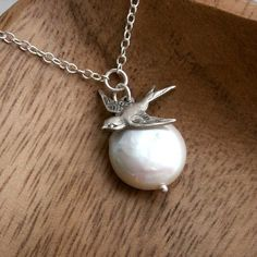 Coin pearl necklace bird necklace sparrow charm di KGarnerDesigns, $28.00