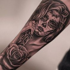 Day Of The Dead Tattoos – Picture Ideas – Tattoos Piercings Forearm Tattoos, Body Art Tattoos, Girl Tattoos, Tattoos For Women, Tattoos For Guys, Hippe Tattoos, Tattoos Bein, Skull Girl Tattoo, Sugar Skull Tattoos