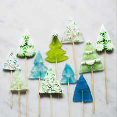 3 Tasty Peppermint Treats for the Holidays - These three easy-to-make peppermint treats are a fun activity for parents and kids to do together and are a perfect use for all the candy canes and peppermint candies floating around at this time of year.
