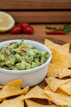 Guacamole - Mexicaanse dipsaus voor nacho's maar ook lekker bij als bijgerecht bij burrito's, taco's en andere Mexicaanse gerechten.