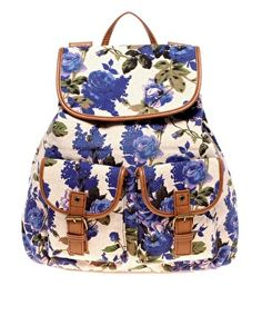 Browse online for the newest ALDO Menches Floral Backpack styles. Shop easier with ASOS' multiple payments and return options (Ts&Cs apply). Aldo Backpack, Backpack Purse, Backpack Pattern, Rucksack Bag, Mini Backpack, Leather Backpack, Mk Handbags, Purses And Handbags, Fashion Bags