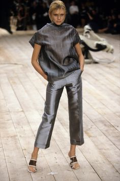 Alexander McQueen Spring 1999 Ready-to-Wear Fashion Show - Shirley Mallmann