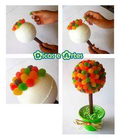 Para decorar mesas, dar como lembrancinhas...pode envover em celofane ou filme Candy Centerpieces, Candy Party, Kirigami, Diy Christmas Gifts, Easter, Baby Shower, Birthday, Cake, Creative