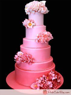 Pink Ombre Wedding Cake #weddingcake #wedding #luxurywedding #martrimonio #boda #casamento #mariage #nuptials #bride #bridal #sposa #noiva #novia #groom #sposo #noivo #novio