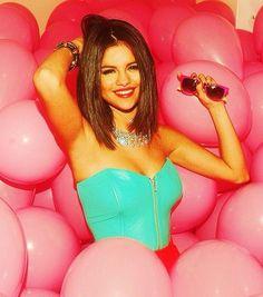 Selena Gomez o çok tatlııı