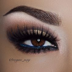 One of our favorite looks by the one and only Vegas_Nay.<3