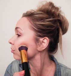 Amazon Makeup Brushes! Check it out on Diary of a Blonde
