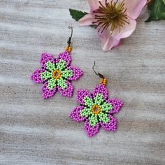 Seed Bead Patterns, Beading Patterns, Bead Earrings, Crochet Earrings, Beaded Necklaces, Beard Jewelry, Embroidery Bracelets, Native Beadwork, Pearl Flower