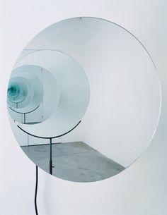 Untitled (Spinning Mirror) artwork by artist Olafur Eliasson Land Art, Studio Olafur Eliasson, Instalation Art, Light Installation, Art Installations, Light Art, Sculpture Art, Metal Sculptures, Abstract Sculpture