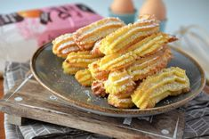 Biscuiti de casa spritati - Retete culinare by Teo's Kitchen Romanian Desserts, Delicious Deserts, Cheesecakes, Biscuit, Vegetables, Cooking, Hijab Outfit, Food, Tart