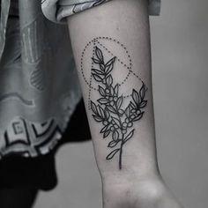 Cette branche géométrique. | 22 tatouages floraux incroyablement beaux