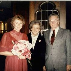 Miss Mollie's Musings: Mom's Birthday, December Sixth