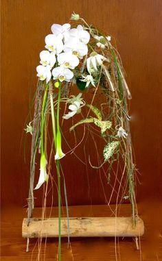 by Gregor Lersch Tropical Floral Arrangements, Christmas Floral Arrangements, Flower Arrangements, Ikebana, Art Floral, Gregor Lersch, Flower Games, Japan Flower, Corporate Flowers