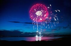 Nowhere does #4thofJuly weekend quite like the #Hamptons. http://ow.ly/ySsg0 #4thofJuly #weekend #hamptons #fireworks #beach #pool #parties #fun
