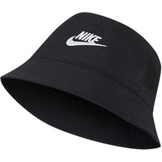 Nike Sportswear Bucket Hat In Black Bucket Hat Outfit, Cute Beanies, Cute Hats, Outfits With Hats, Retro Outfits, Nike Looks, Black Bucket Hat, Nike Swoosh Logo, Cute Comfy Outfits
