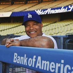 THINK BLUE: Tune in today at 4 p.m. for a special edition of #InsideTheLockerRoom with @Dodgers Manager Dave Roberts. Brought to you by Locker Room by LIDS located at Universal City Walk. by am570lasports