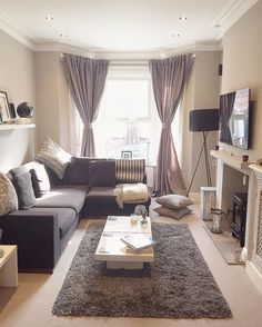 The Best Small Apartment Living Room Decor Ideas Living Room Setup, Home Living Room, Interior Design Living Room, Living Room Designs, Living Room Furniture, Furniture Chairs, Kitchen Living, Antique Furniture, Small Apartment Living