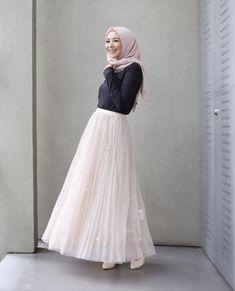 19 Ideas For Fashion Outfits Women Skirt Inspiration Hijab Casual, Hijab Style, Hijab Chic, Hijab Outfit, Hijab Fashion Casual, Trendy Fashion, Hijab Dress, Trendy Style, Style Fashion