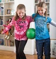 Indoor Group Games For Kids Schools Relay Races Ideas Group Games For Kids, Indoor Games For Kids, Indoor Activities, Family Games, Activities For Kids, Party Activities, Indoor Play, Outdoor Games, Ballon Games For Kids