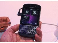 review of the BlackBerry Q10 - CNET