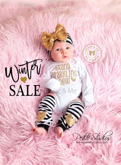 BABY GIRL coming home outfit, baby girl, newborn girl, going home outfit, coming home baby girl, baby girl headband, newborn headband girl  *´¯`•.¸.•*´¯`•.¸.•*´¯`•.¸.•*´¯`•.¸.•*´¯`•.  WINTER SALE! $29.95 FOR FULL 3 PIECE SET!  ♥ Your new princess will look adorable in this Brand Sparkling New baby girl bodysuit. Its the perfect little outfit to bring your new baby girl home in. ♥ Soft cotton blend bodysuit with fold over mitts on newborn size. Bodysuit is CPSIA certified.  ♥ We offer the…