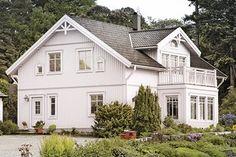 Kungshus Koster - hus i sekelskiftesstil - Anebyhusgruppen Style At Home, Roof Lines, Swedish House, Home Fashion, My Dream, Sweet Home, Villa, Cottage, Cabin