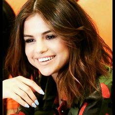Always love smiling of Selena 😘😘😘😘