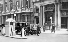 the history of the traffic light - Yahoo Image Search Results Traffic Light, Yahoo Images, Image Search, Street View, Lights, London, History, Hi Lights, Historia