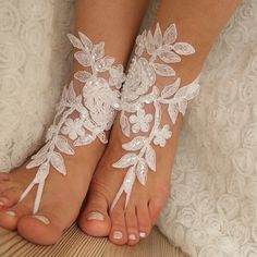 French lace barefoot sandals of good quality Beaded. Fit to all foot.. Ready to ship. Shipment within 24 hours after purchase, weekend 48 hours via