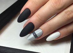 232667b13bd2a66d2d7ffdf0087bb851 Gorgeous Nails, Pretty Nails, Beautiful Nail Art, Simple Nail Designs, Nail Art Designs, Hair And Nails, My Nails, Engagement Nails, Queen Nails