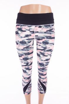 LULULEMON Run Inspire Crop II All Luxtreme 8 M Wamo Camo Barely Pink Black #Lululemon #ActivewearPants