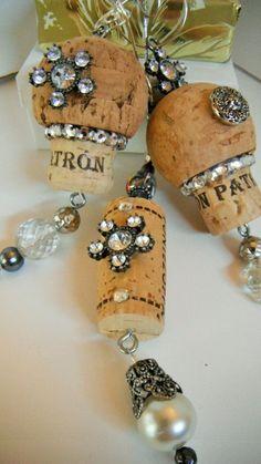 Wine Cork Ornament Altered Cork Ornament Rhinestone by mscenna Wine Craft, Wine Cork Crafts, Wine Bottle Crafts, Jar Crafts, Felt Crafts, Diy Cork, Wine Corker, Wine Cork Jewelry, Wine Cork Ornaments