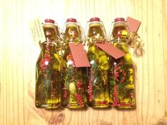 Homemade Christmas gifts for teachers (and friends)- Garlic and Rosemary infused Olive Oil