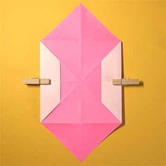 折り紙でハート窓の折り方!簡単バレンタインメッセージの作り方 | セツの折り紙処 Origami, Wall Lights, Crafts, Home Decor, Appliques, Manualidades, Decoration Home, Room Decor, Origami Paper