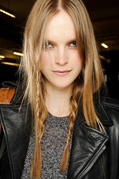 LE FASHION BLOG HAIR MESSY BRAIDS RAG BONE FW 2011 MIRTE MAAS 4 photo LEFASHIONBLOGHAIRMESSYBRAIDSRAGBONEFW2011MIRTEMAAS4.png