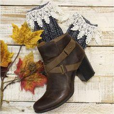 CHIC  short lace boot socks - midnight blue