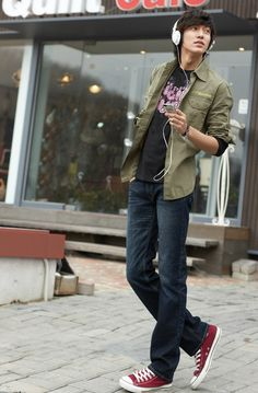 Lee Min Ho. Photoshoot for the summer Levi Strauss Signature catalog of 2009