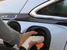 Chevrolet Bolt EV plug in