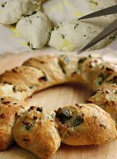 No knead olive bread (using recipe for dough from Artisan Bread in 5 Minutes a Day) Savoury Baking, Vegan Baking, Bread Baking, Vegan Food, Food Food, Greek Bread, Rosemary Bread, Olive Bread, Baking Stone