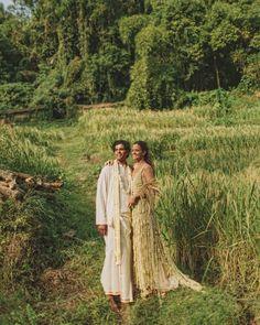 dress made from jasmine on the day of the wedding, destination wedding, unconventional wedding Bali Wedding, Wedding Bride, Wedding Blog, Diy Wedding, Destination Wedding, Wedding Ideas, Bride Groom, Timeless Wedding, Trendy Wedding