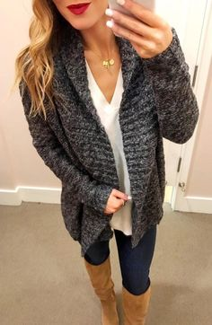 #fall #outfits Women's gray knitted jacket