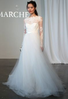 Classic Lace & Tulle wedding gown, Marchesa #Bridal Spring 2015 #Fashion