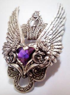 SO PRETTY. Valkyrie pendant.