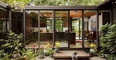Visit: Mid-Century Modern Kitchen