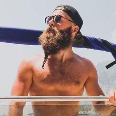 Short Braided Beard - Best Braided Beard Styles For Men: How To Braid Your Beard #beard #beards #beardstyles #beardgang #beardedmen #facialhair #mensfashion #mensstyle #men Tight Braids, Small Braids, Cool Braids, Chin Beard, Goatee Beard, Beard Styles For Men, Hair And Beard Styles, Short Buzz Cut, Best Beard Care Products