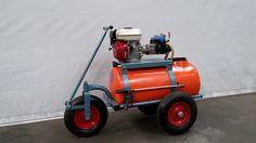Empas 100 liter  - Type: 20-20-100B - Tank capacity: 100 liter - Provides a membraam high pressure pump - Pump capacity: 20 liter / 20 bar - Provides a petrol engine: GX 120 Honda 4.0 PK